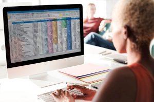 Rumus Excel Mengambil Karakter Tertentu, Fungsi LEFT, RIGHT, dan MID (freepik.com)